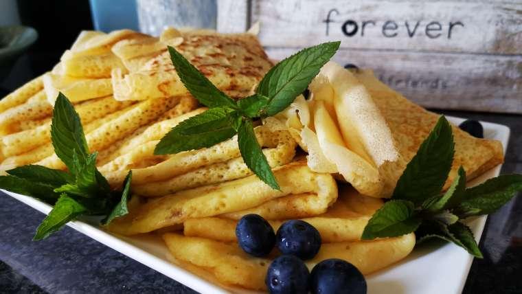 Sourdough crêpes/thin pancakes