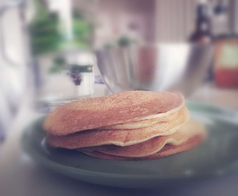 sourdough and kefir (or filmjölk) pancakes